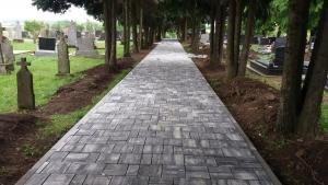 Pješačke staze na groblju u Gorjanima